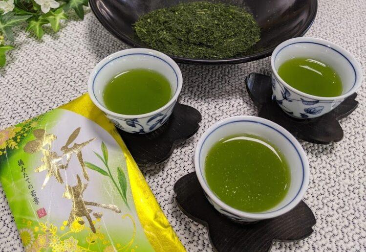 2021年4月2日上場の実際の新茶を淹れてみた 産地:南九州市頴娃町(知覧茶) 水色はもう少しながら、味は満足いくものでした